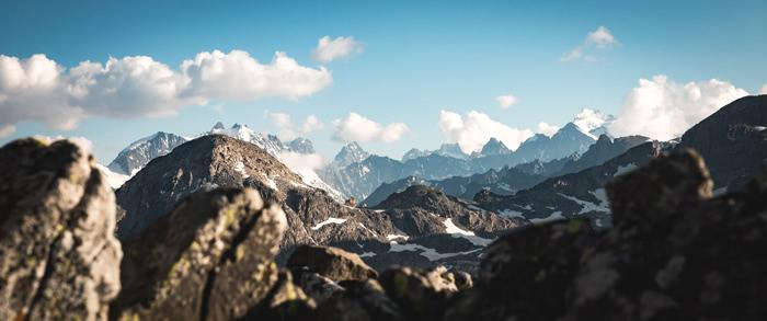 Col de la ponsonnière dans les Cerces. J'aime bien les différences de plans sur cette photo.
